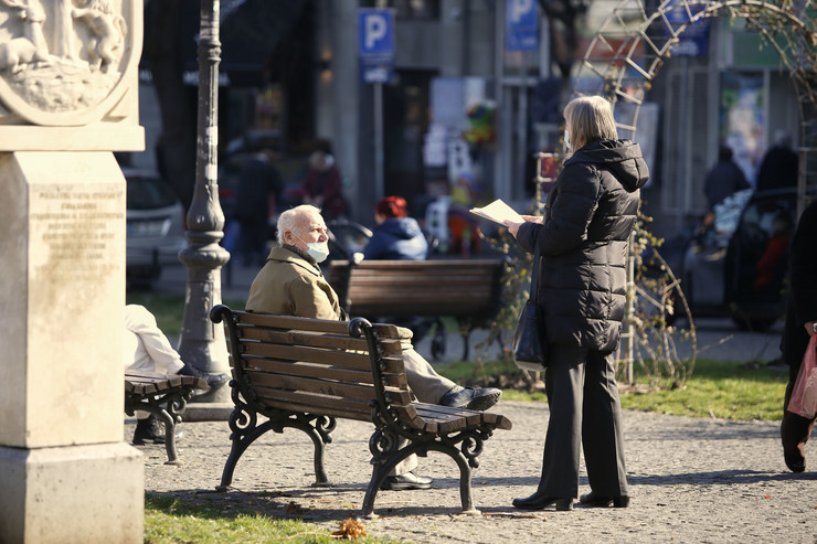 Srbija penzioneri lepo vreme pokrivalica