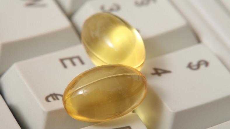 Według WHO ponad połowa leków sprzedawanych przez apteki internetowe to podróbki