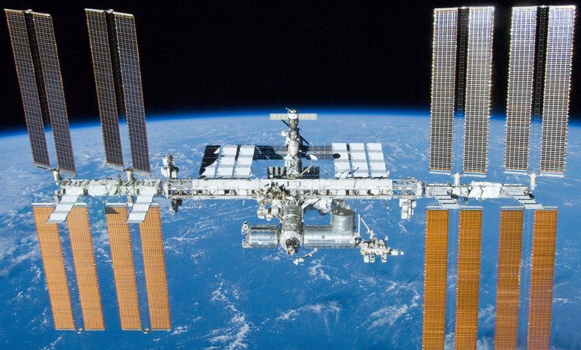 ISS pojawi się na niebie w piątek o godz. 21:30 nad zachodnim horyzontem.