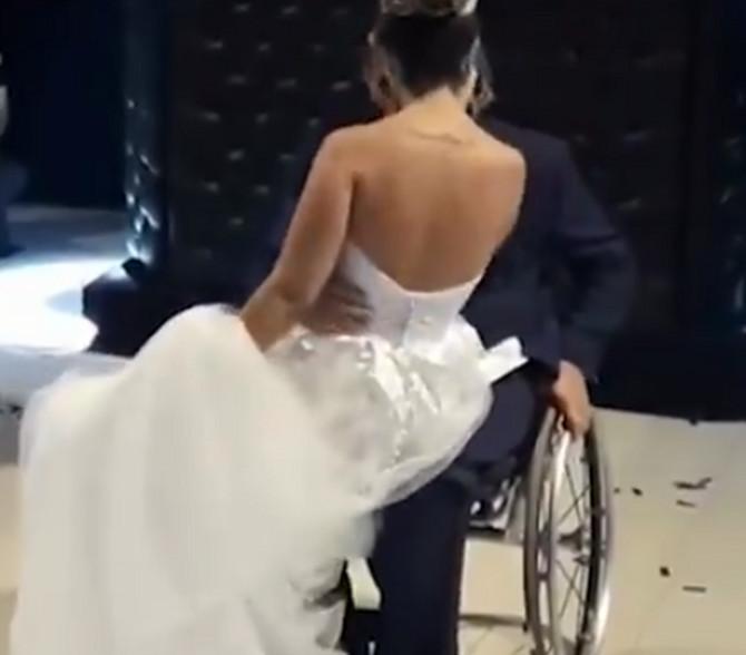 Scena sa venčanja je dirnula ljude