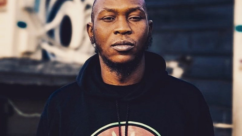 Seun Kuti says he hopes to be invited when Nigerians abroad decide to beat up any visiting Nigerian politician. [Instagram/BigBirdKuti]