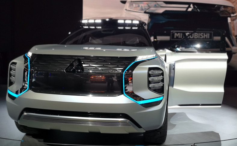 Mitsubishi Engelberg Tourer - taki ma być nowy Outlander?