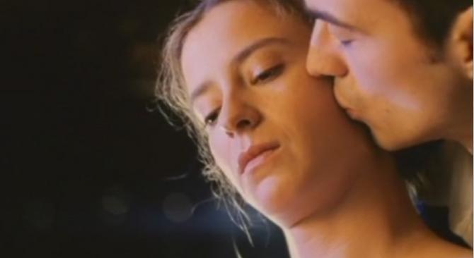 """Mirjana Joković i Sergej Trifunović u filmu """"Stršljen""""  1998. godine"""