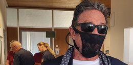 Nosił na twarzy stringi zamiast maseczki. Kontrowersyjny biznesmen aresztowany