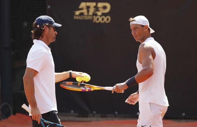 Trener Karlos Moja i Rafael Nadal na terenu u Rimu pred start mastersa