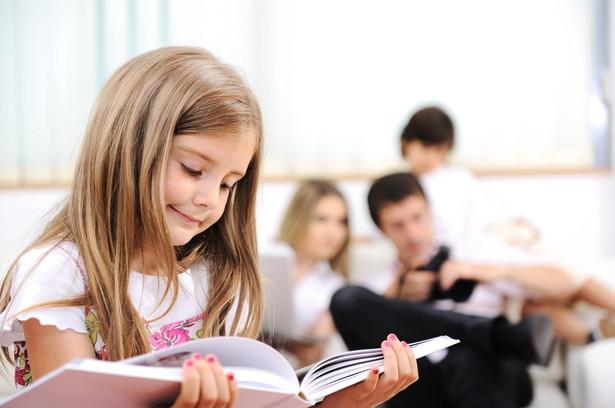 Od września 2014 r. obowiązek szkolny ma dotyczyć wszystkich sześciolatków (rocznik 2008).