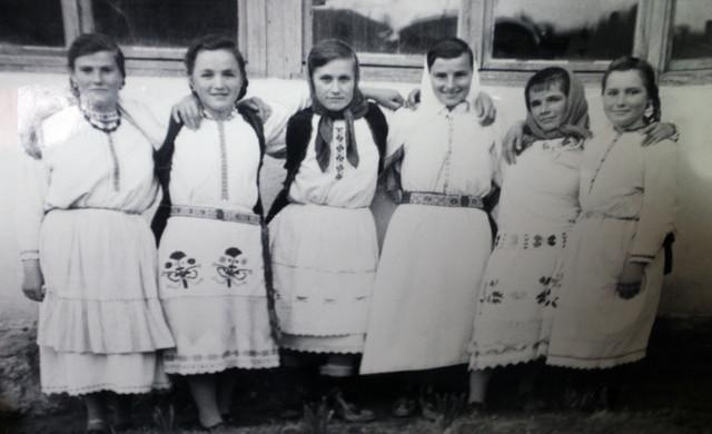 Učenice škole u Borkovićima