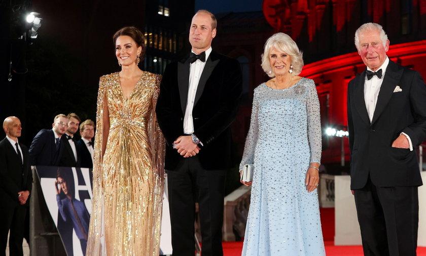 Niezwykłe przywitania Kate z księciem Karolem. Takie publiczne gesty w rodzinie królewskiej to rzadkość!