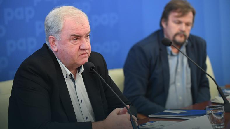 Prezes Izby Wydawców Prasy Wiesław Podkański (L)