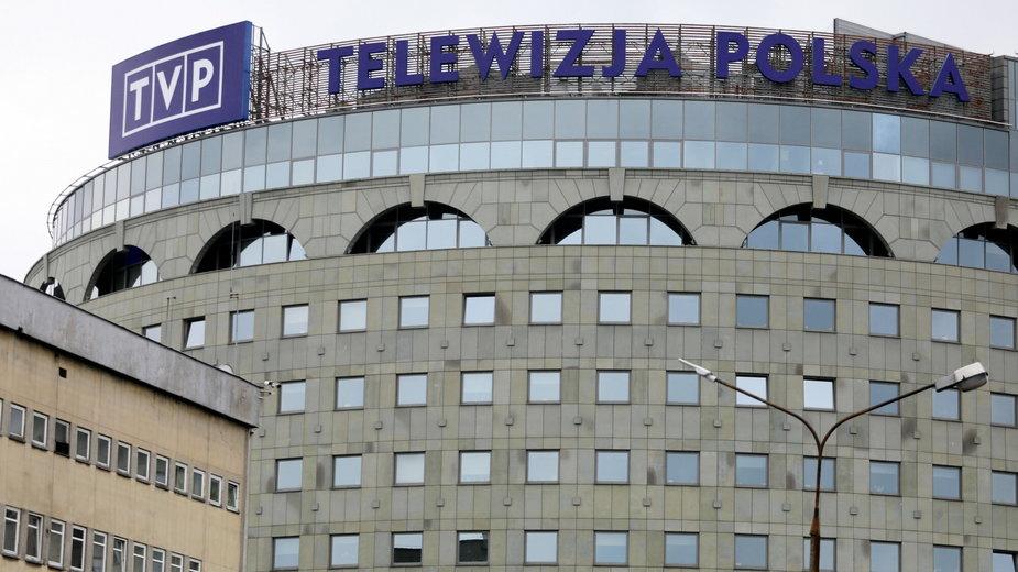 """TVP za 2 mln zł promowało spot dot. koronawirusa. """"Preferencyjne warunki"""""""
