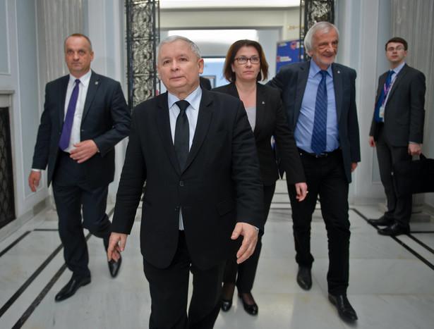 """""""Bez względu na to jak długo będą okupować salę posiedzeń Sejmu zrobimy wszystko, żeby normalnie pracować, bo mamy kworum i będziemy realizować nasz program"""" - dodała"""