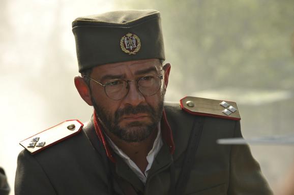 Nebojša Glogovac kao Draža Mihajlović u seriji