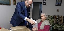 Obdarujemy potrzebujących seniorów! Świąteczna Akcja Faktu już po raz 9.