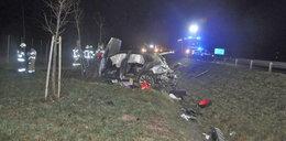Makabryczny wypadek pod Nidzicą. Kierowca bentleya zginął na miejscu. To warszawski milioner?