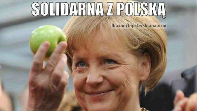 Polacy jedzą jabłka na złość Putinowi. Angela Merkel przyłącza się do akcji, jednak internauci podejrzewają ją o nieczyste intencje.