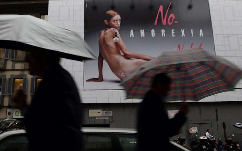 Pierwsza głośna kampania przeciwko anoreksji