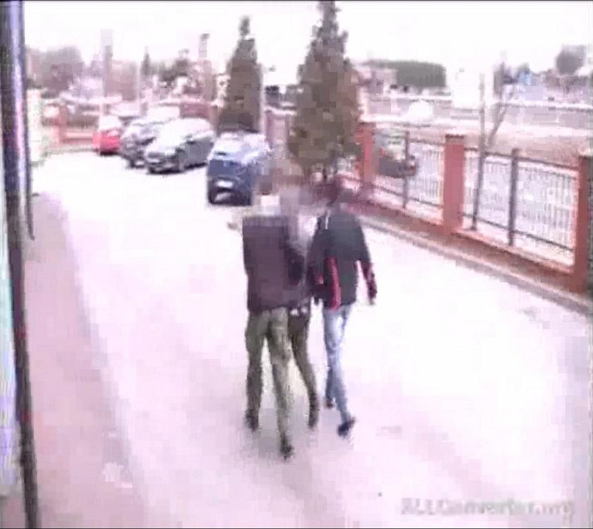 Zwłoki mężczyzny w rowie. Zabiła go nastolatka?