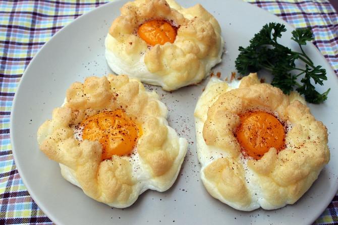 Mekano vazdušasto belance i rovito žumance je specifičnost ovakvog načina pripreme jaja