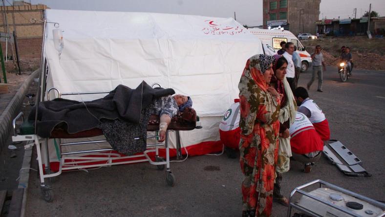 Wzrosła liczba ofiar trzęsieia ziemi w Iranie. Ponad 300 ofiar