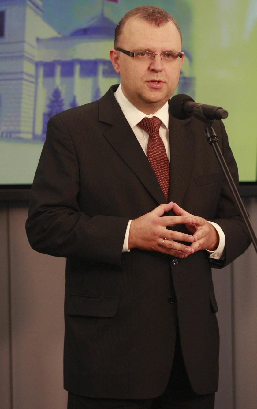 Ujazdowski pierwszy opuściłPiS