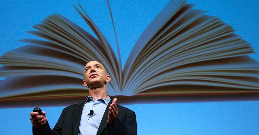 Jeff Bezos stworzył Amazona i przekształcił go w ogromny sklep internetowy