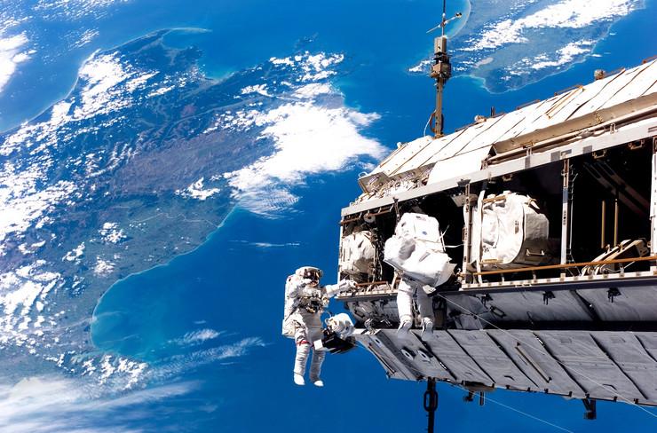 svemirska setnja04 foto NASA