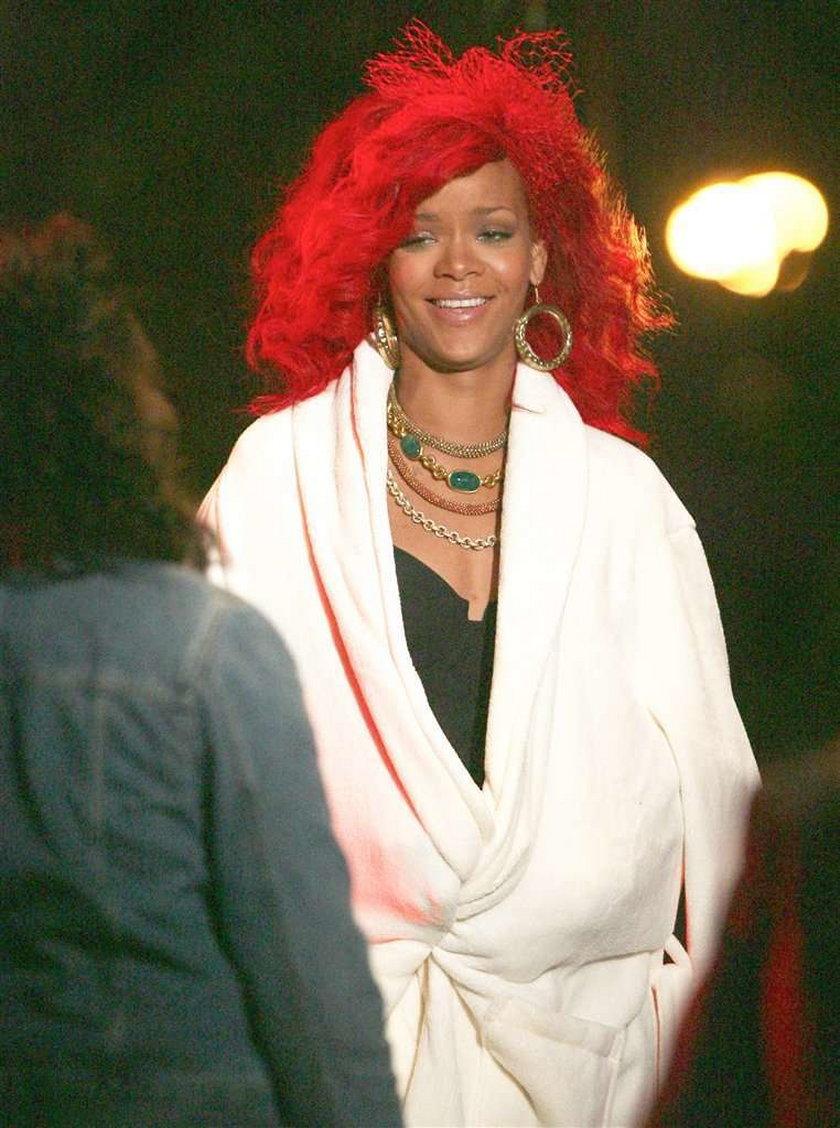 Rihanna wygląda jak klaun