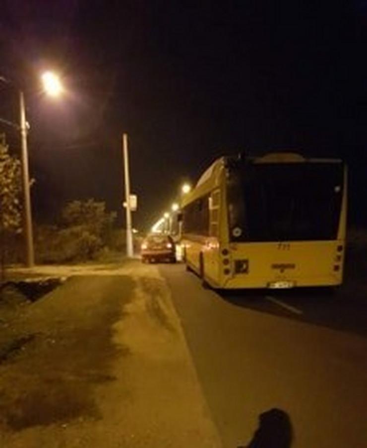 Pokvaren autobus na Putu za Crvenkuu