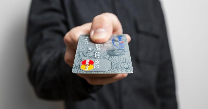 66 proc. Polaków uważa, że płatności bezgotówkowe są wygodniejsze od gotówki