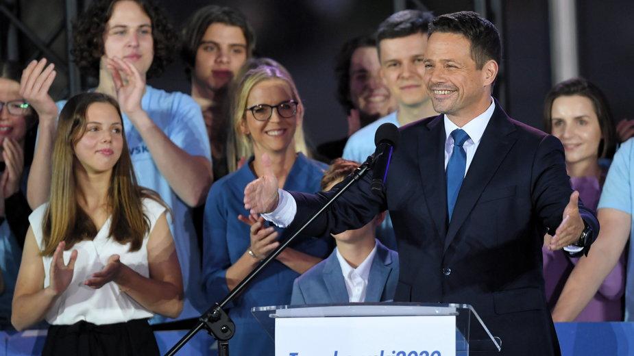 Rafał Trzaskowski z rodziną na wieczorze wyborczym po zakończeniu wyborów prezydenckich
