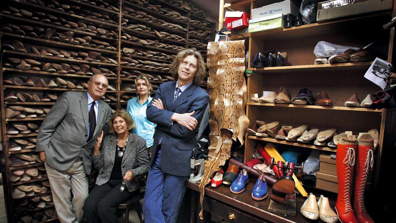 5a314c99f1ec9 ... pracowni Jan Kielman i Syn buty są robione na miarę i szyte ręcznie.  Tymi samymi metodami już od 129 lat! 129 lat z kopytem