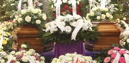 Film z pogrzebu ofiar w Kamieniu. Ksiądz: A niedawno byli z Julcią w kościele...