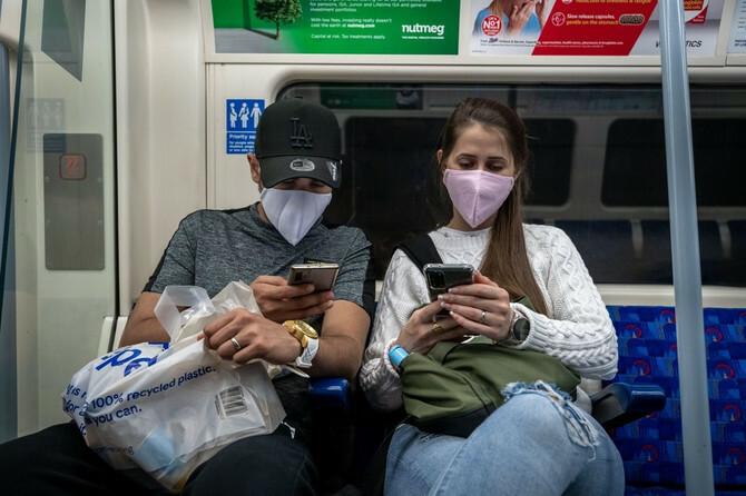 Mladi i korona: i dalje aktuelni problem pandemije korona virusa