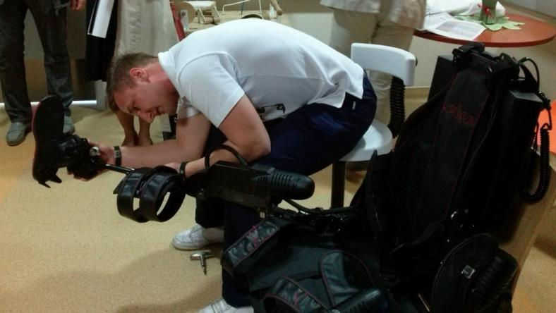 Niepełnosprawni testowali egzoszkielet