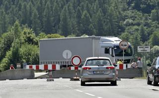 Słowacja otworzy część zamkniętych przejść granicznych