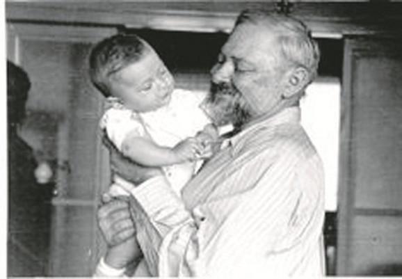 Sa unukom: Vladimir Becić i unuk Vladimir Velebit