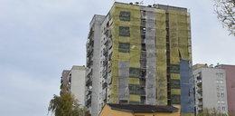 Spadli z 8 piętra i przeżyli. Prokuratura stawia zarzuty