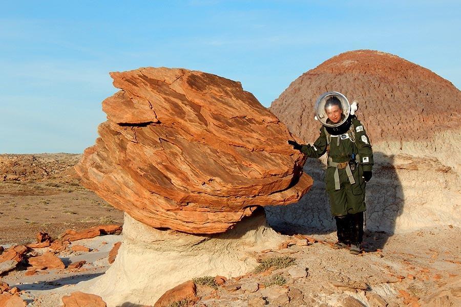 - Na Marsie nie ma tlenu, więc nie będzie można tam wykorzystać tradycyjnych paliw - podkreśla dr Natalia Zalewska, geolog, planetolog z CBK PAN i Instytutu Lotnictwa. W analogowej misji marsjańskiej w Utah brała udział dwa razy, ostatnio jako dowódca.