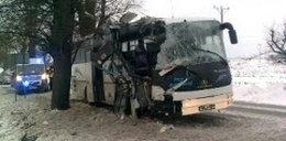 Wypadek autokaru! 11 osób rannych!