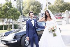 OŽENIO SE SRPSKI PEVAČ Skupocenim automobilom stigli na venčanje, mlada BLISTA, kuma Milica Todorović!