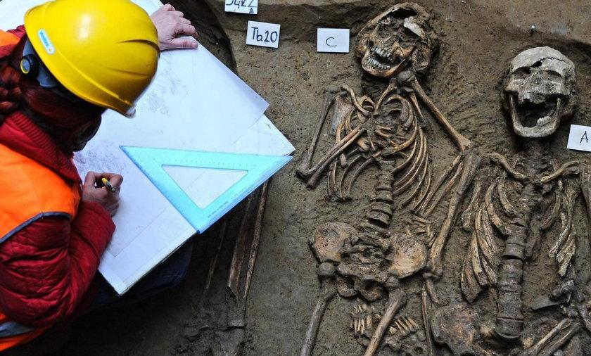 Masowy grób pod galerią we Florencji