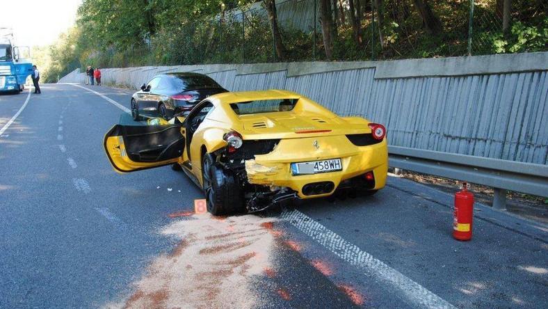 Ferrari i Mercedes po wypadku