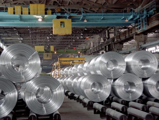 Polski inwestor może zarabiać na wzrostach cen metali przemysłowych, kupując jednostki funduszy inwestycyjnych.