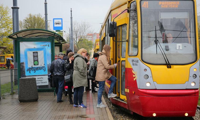 Tramwaj 41 z Łodzi do Pabianic wycofany z trasy. Jazda niebezpieczna