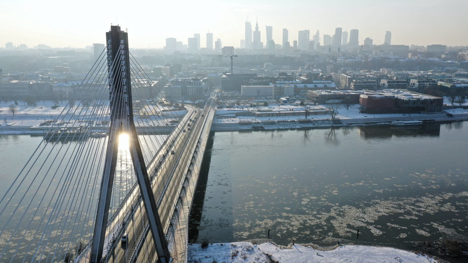Warszawa. Widok z drona na Most Świętokrzyski