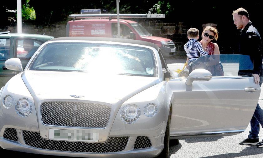 Wayne Rooney z żoną i synem
