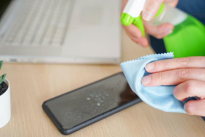 Telefon je dovoljno čistiti jednom dnevno, osim ako nije potencijalno izložen virusu