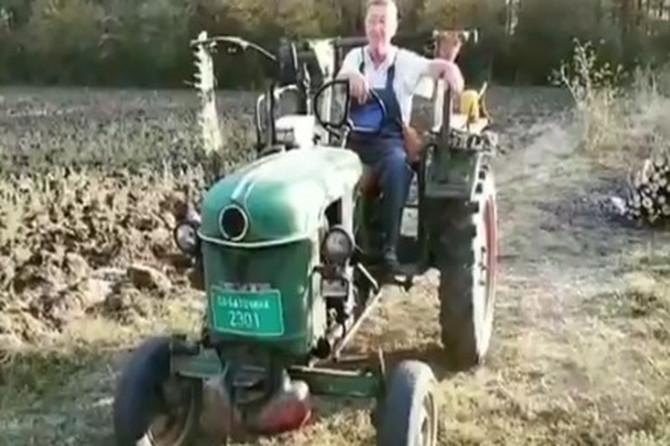 Ovo nećete čuti U KRUGU DVOJKE: Deda na traktoru je HIT NA TVITERU i sigurno će vam ulepšati dan