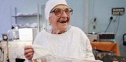 Ma 90 lat i nadal operuje ludzi. Oddałbyś się w jej ręce?