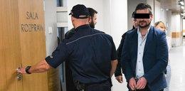 Chodził na seks imprezy i kradł cudze dokumenty. Oszust stanął przed sądem